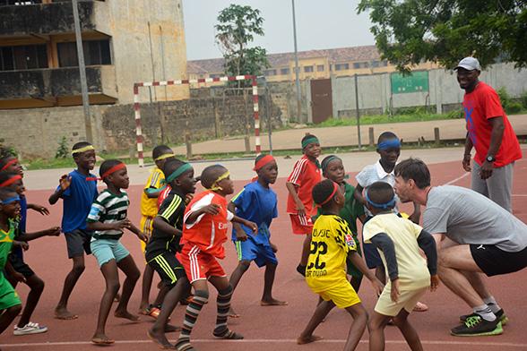 Allianz Handball Schule zu Besuch im westafrikanischen Benin